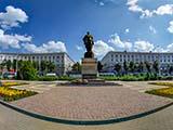 Памятник генералу Ивану Даниловичу Черняховскому