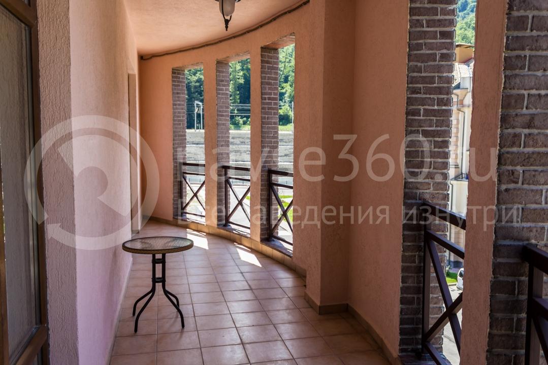 Балкон апартаментов Горки Город 3