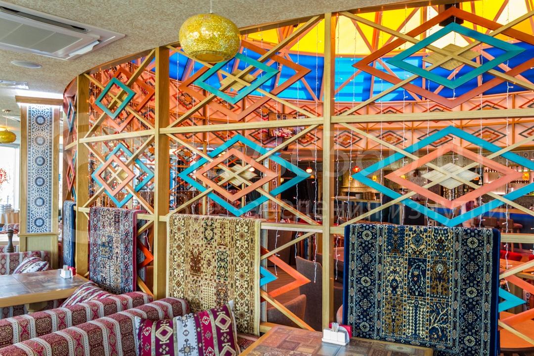 Вид внутри ресторана Торне, Сочи 2