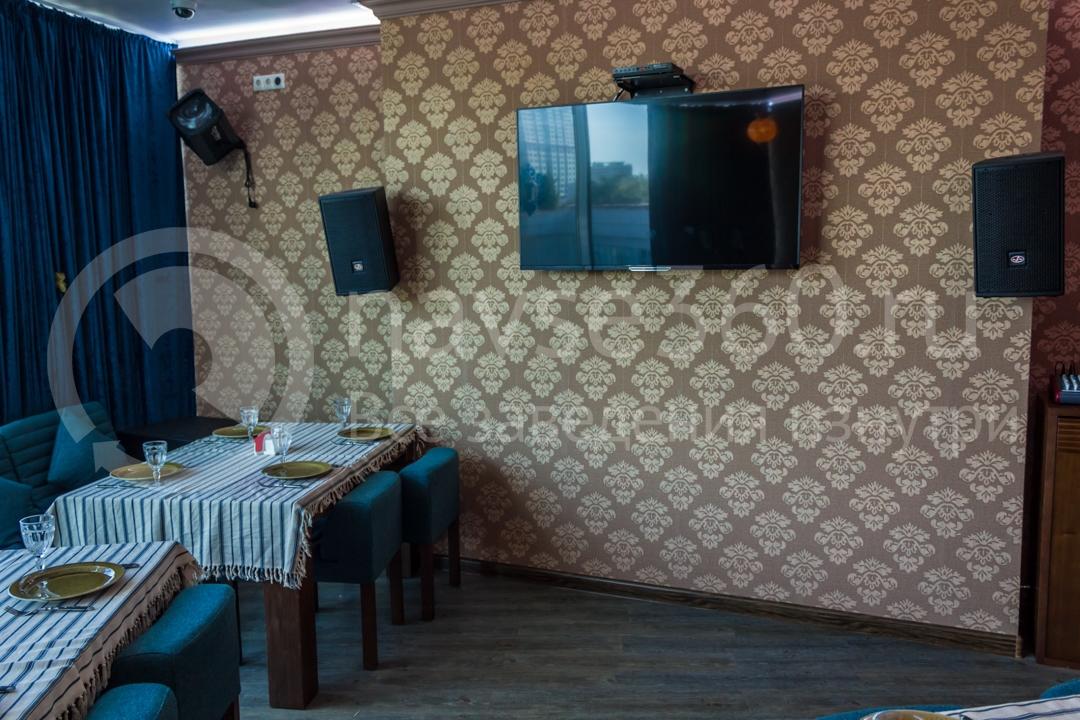 Вид внутри чайхоны Торне, ресторан в Сочи