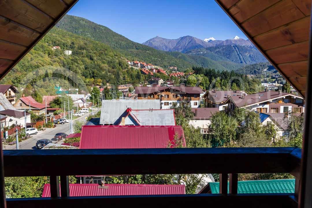 Вид из гостиницы Apart в Сочи, Красная поляна