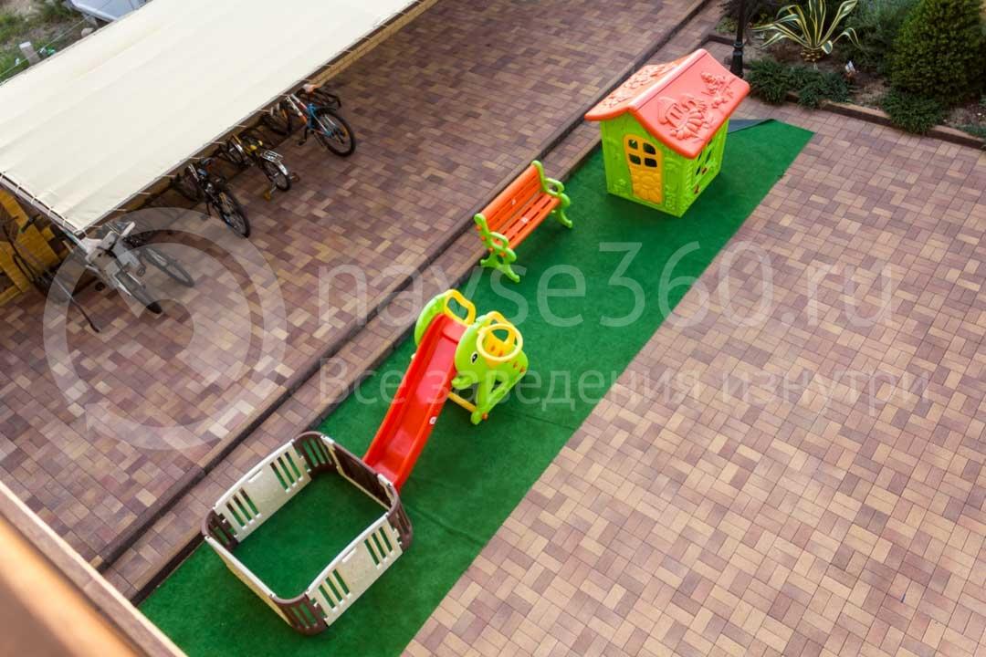 Детская площадка гостиницы Абрис в Сочи