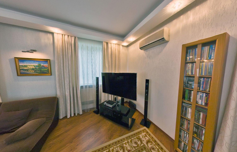 Купить дом в Анапе - гостиная комната 14