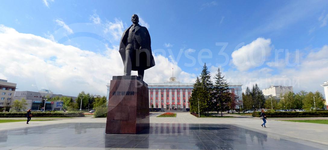 Памятник В.И. Ленину на площади Свободы Барнаул