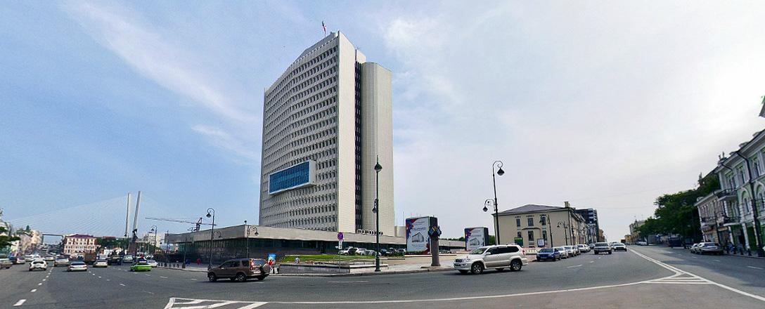 Перекресток улиц Светланская и Алеутская