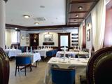 Семь Футов, ресторан