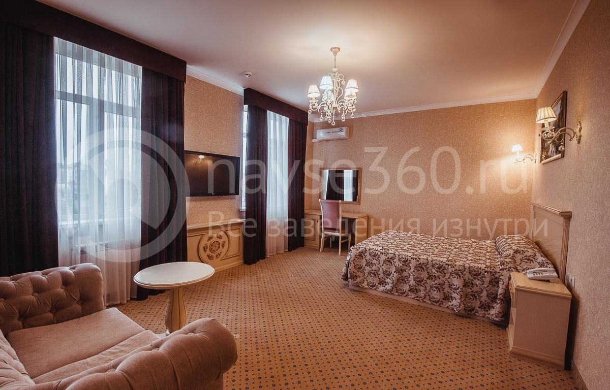 Резидент отель, номер 7
