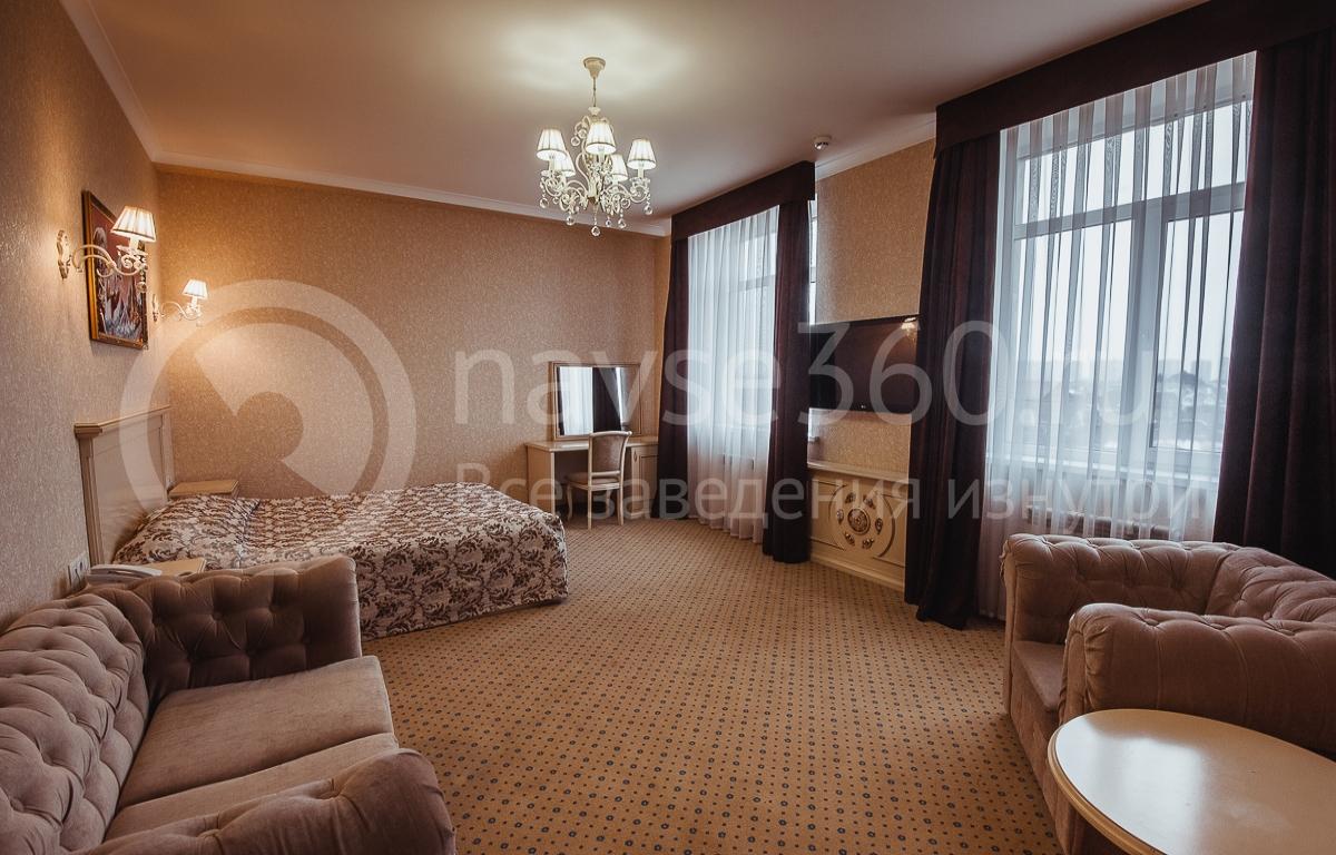Резидент отель, номер 9