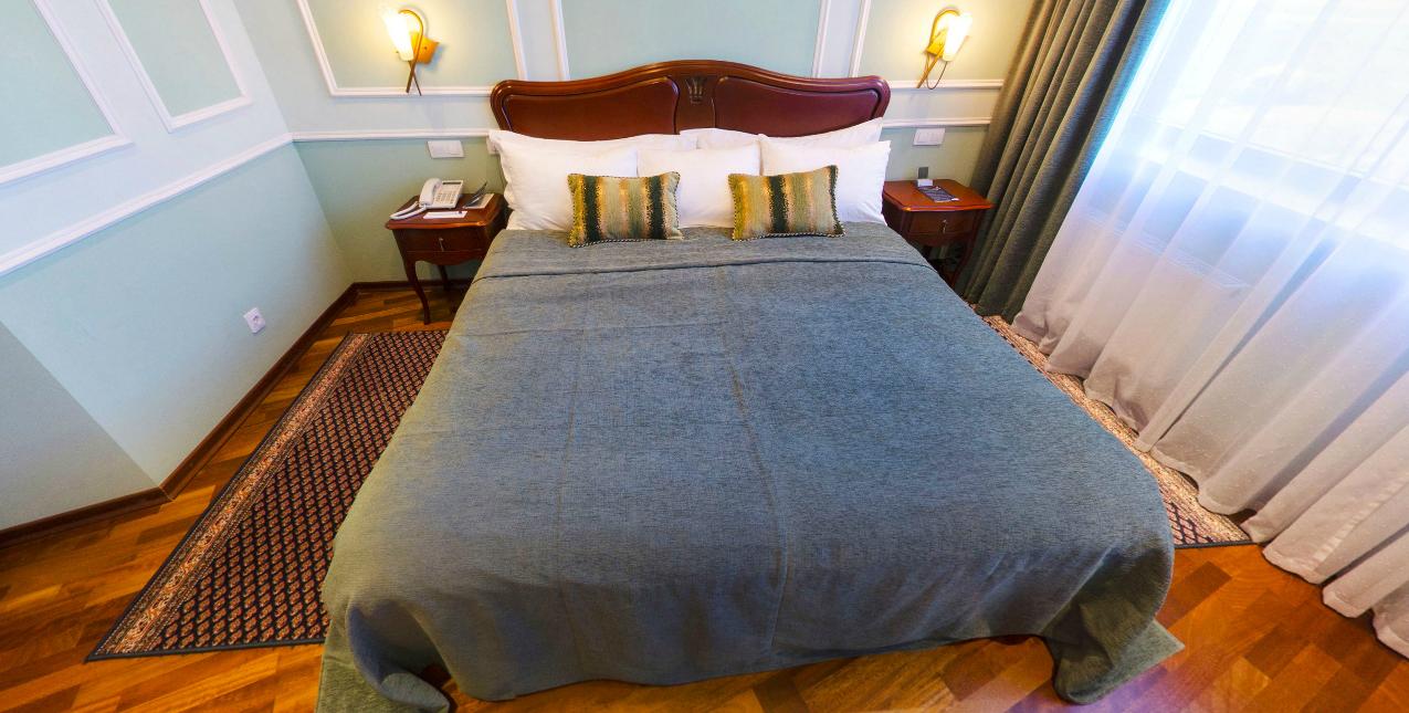 Александровский люкс спальня