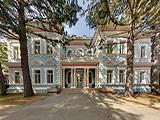 Императорский дворец, гостиница
