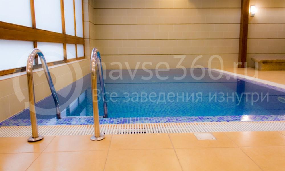 Гостевой дом с бассейном в Сочи Шале