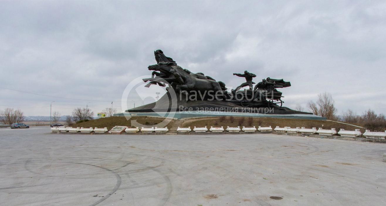 Памятник Тачанка, сбоку