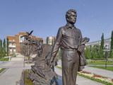Памятник М. Кариму