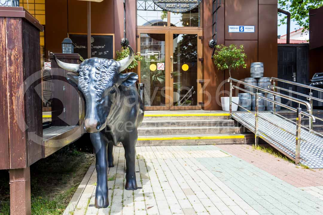 Вход бара - ресторана Синдикат в Сочи
